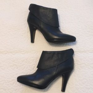 Banana republic black leather ankle boots